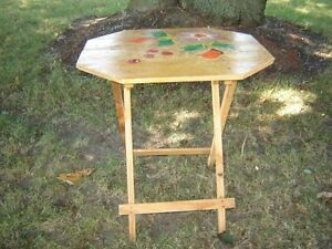 LITTLE TABLE/PATIO TABLE/ACCENT TABLE