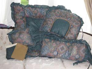 Brand New 6 Piece Crib Bedding Set
