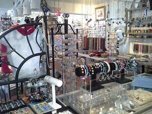 Bijoux artisanaux, pieces, cours, réparation, Shamballa etc.