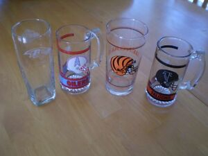 VINTAGE NFL GLASSES AND MUGS Windsor Region Ontario image 1