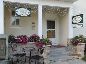 Beautiful Bed & Breakfast, Centrally Located to Everything!