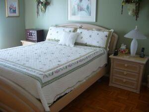Set chambre acheter et vendre dans saint hyacinthe for Le pere du meuble montreal