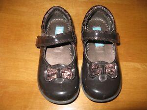 Little Girls Footwear, size 8-9 Sarnia Sarnia Area image 4
