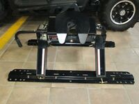 16,000 lbs 5th Wheel Hitch **Brand New**