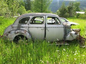 1940 CHEV MASTER DELUXE 4-DOOR SEDAN.....selling as a parts car