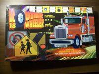 Camionneur jeu le routier- 18 wheeler trucker game- age 8 +