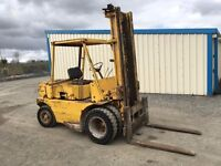 COUNTRY CLIMAX 6 TON FORKLIFT C/W FORKS, POWER STEERING