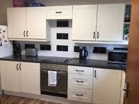 3 Bedroom Modern Flat, Kelvindale, West End, Glasgow £590 pcm