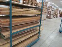 Bois sec en planches pour fabrication de meubles