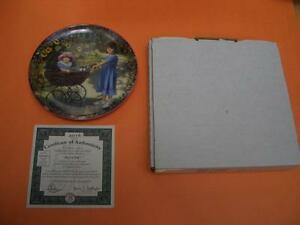 JOYS OF LIFE COLLECTOR PLATE BY BRADFORD EXCHANGE WITH BOX AND C London Ontario image 2