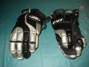 Lacrosse gloves London Ontario image 1