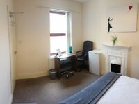 1 MONTH FREE RENT - 2 Spacious Rooms Available B24 - Room 4