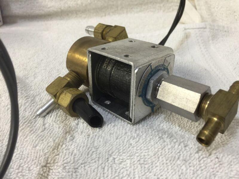 Gould Allied Control Valve Cat # 305X-4, Watts 11, 22VDC, Orifice 3/32 x 1/16