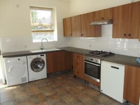 £125 pppw 3 ROOMs available in a 4 BR house Mauldeth Road, Bills Included