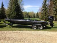 Price reduced! 2005 Champion 223 tournament fishing boat