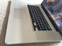 APPLE MACBOOK 17 INCH MASSIVE INTEL CORE i5 2.53GHZ 4GB RAM 500GB HDD WIFI WEBCAM