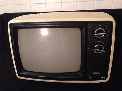 """VINTAGE SEARS SOLID STATE No.564.40220701 12"""" TV CREAM COLOR Handle"""