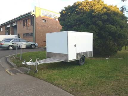 Enclosed Motorbike / Work Trailer   3 Bike   Upgradeable