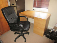 Quality, comy black swivel office chair