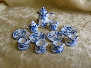 dollhouse-doll-house-miniature-17-PIECE-BLUE-FLORAL-amp-GRAPE-DISH-SET