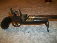 Unique-Vintage Gun cigarette lighter