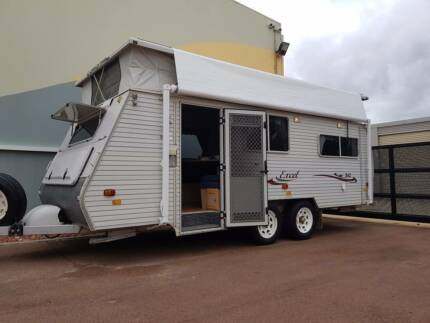 2007 Coromal Excel 542 Pop Top Caravan With Single Beds