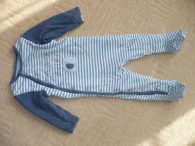 2x warm padded sleepsuits from Mothercare for boy/ girl 12-18mths/ 12-18 mths and 2-3 years. VGC!