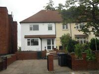 3 Bedroom Semi-Detached House in Lynton Terrace, West Acton W3