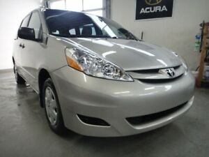 2010 Toyota Sienna ONE OWNER,0 CLAIM,VERY CLEAN,7 PASS