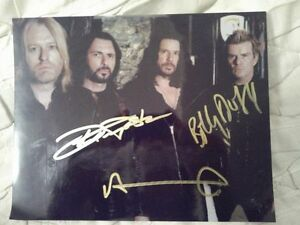 THE CULT AUTOGRAPHED 8X10 PHOTO Edmonton Edmonton Area image 1