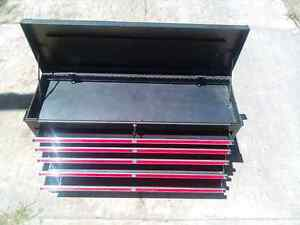 41 INCH/104CM TOOLBOX. AS NEW. QUICK SALE Raymond Terrace Port Stephens Area Preview