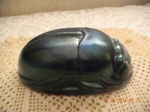 VINTAGE SCARAB PAPERWEIGHT ART GLASS PURPLE BLUES CARNIVAL GLASS COLORING