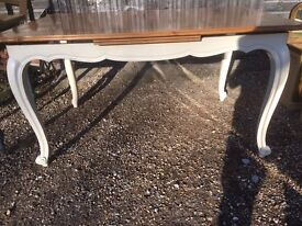 French dining table