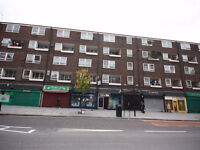 LARGE 3/4 DOUBLE BEDROOM ideal for STUDENTS, WOOD FLOORS, MODERN SEPARATE KITCHEN DINER