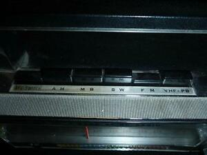 Candle Solid State 18 Transistor Radio 5-Band AM/FM/MB/SW/VHF West Island Greater Montréal image 2