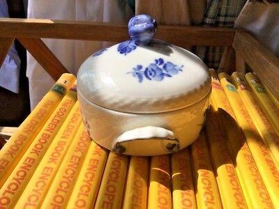 Royal Copenhagen Denmark Blue Fluted Covered Small Round sugar dish