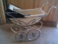 Royale Dolls Pram