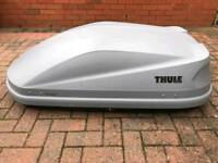 Thule touring s 100 Titan aero roof box and accessories