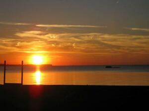 ***LIGHTHOUSE COVE - LAKEFRONT COTTAGE***