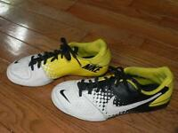 Nike Indoor Soccer Shoes Size 5Y