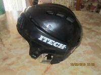 Casque/Helmet Garcon/Boy Grandeur/Size Large Marque Itech.