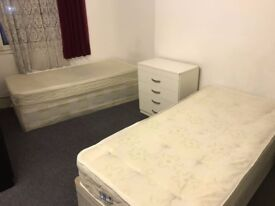 *** MASTER DOUBLE ROOM***