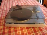 Table tournate Yamaha P-200  P200 Turntable
