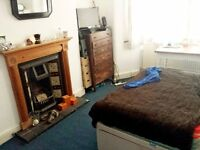 double room, close to Manor House zone 2, available from 17/11