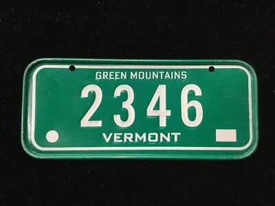 VINTAGE METAL MINI BIKE LICENSE PLATE VERMONT CEREAL PREMIUM 2346 GREEN MOUNTAIN