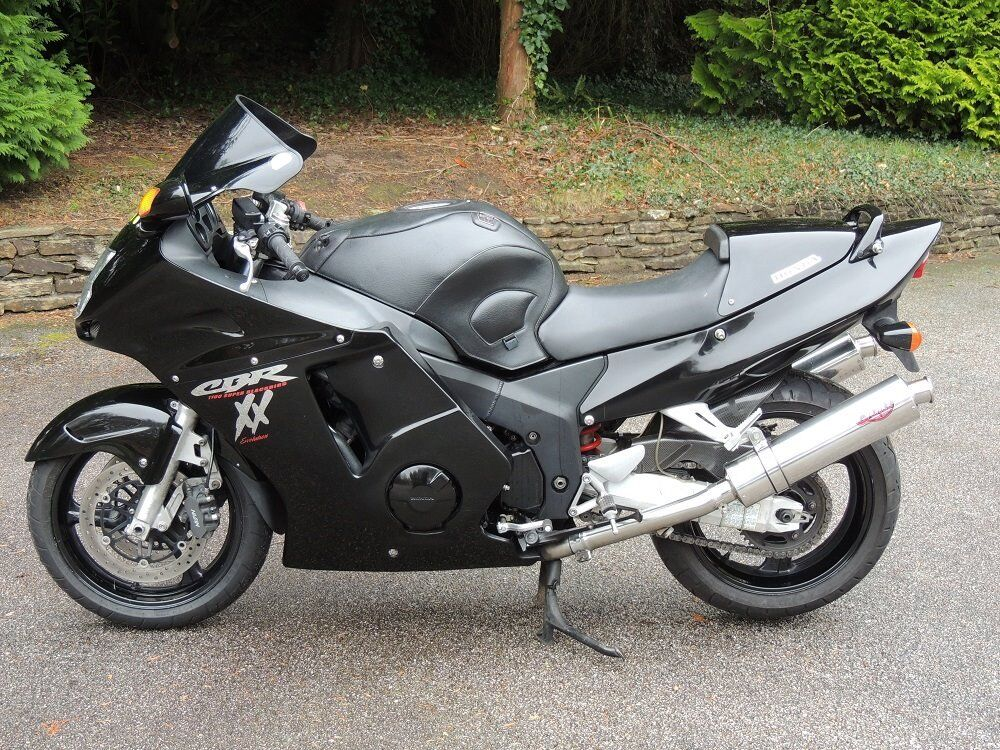 honda cbr 1100 xx in truro cornwall gumtree. Black Bedroom Furniture Sets. Home Design Ideas