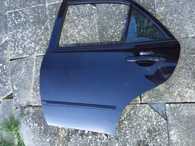 99-05 LEXUS IS200 IS300 COMPLETE REAR DOOR PASSENGER NSR BLACK 2o2 VGC #1503