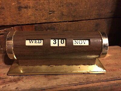 Vintage Manual Perpetual Desk Calendar Revolving Brass Wood Tone