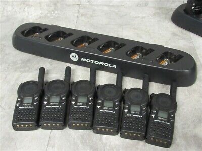 Lot Of 6 Motorola Cls1410 Uhf Two-way Radios W 6 Slot Gang Charger Tested