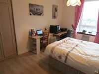 12-15 to Strathclyde Uni. by walk, double room in Dennistoun, student wanted